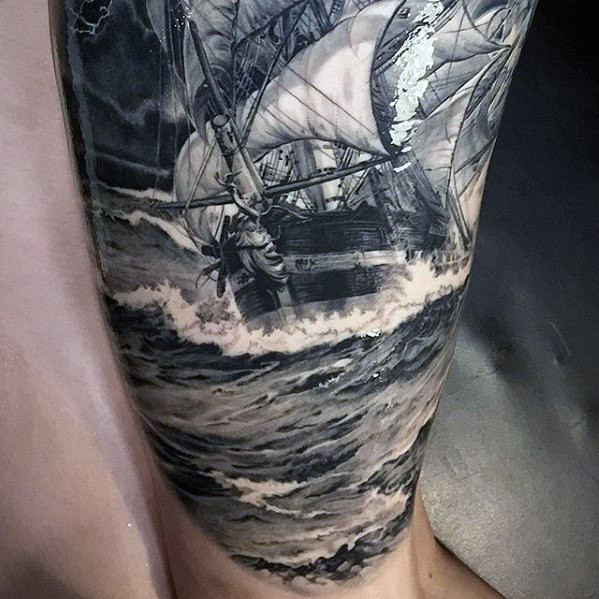 Hyper realistisches Boots-Herrenboot auf Ocean Waves Sleeve Tattoo
