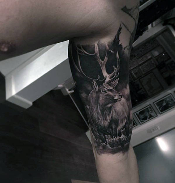 Viertel Realistische Deer Guys Tattoo-Design-Ideen