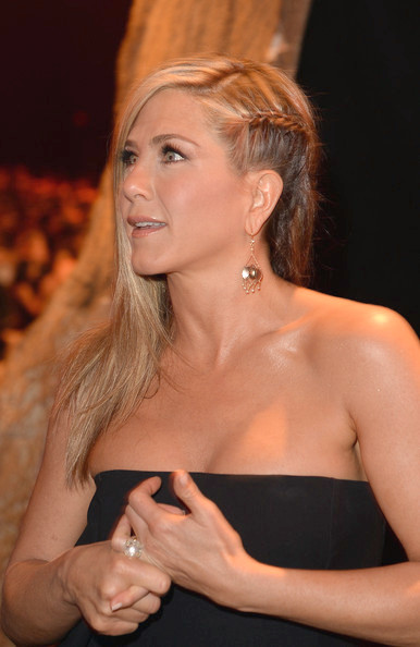 Jennifer Aniston largo trenzado peinado