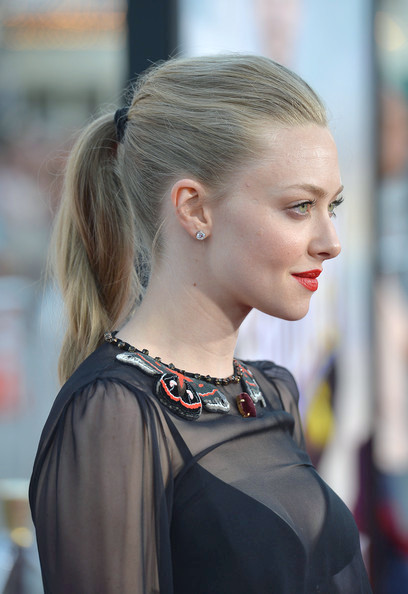 Amanda Seyfried cola de caballo