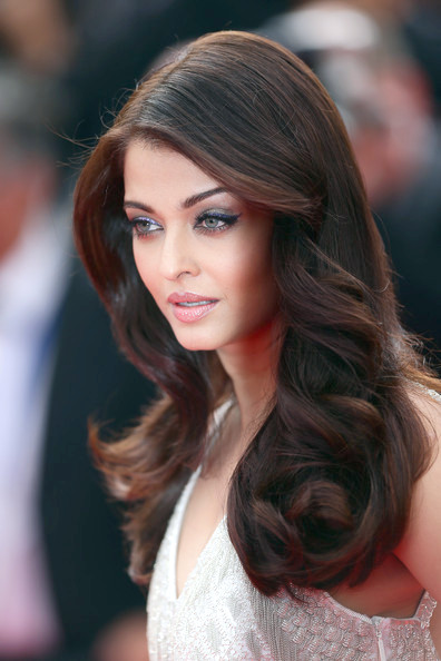 Aishwarya Rai Long Waves