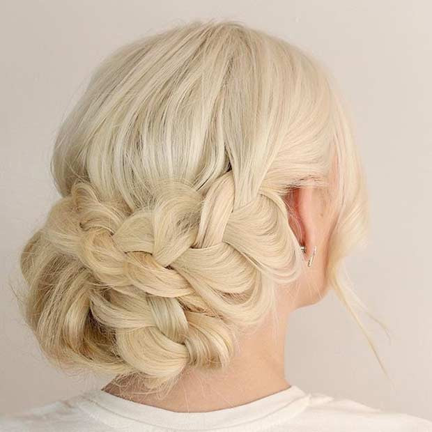 Boho Braided Updo für Blondinen
