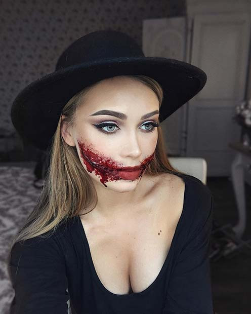 Scary Slit Mouth Halloween Makeup Idee