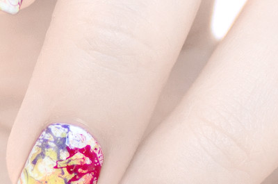 18 Interessante Splatter-Nageldesigns
