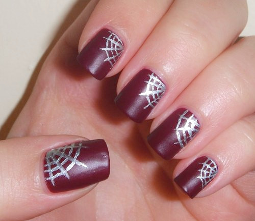 Designed Burgunder Nageldesign
