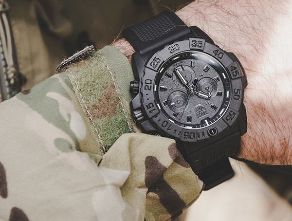 Luminox Herren Navy Seal Chronograph Uhren Bewertung