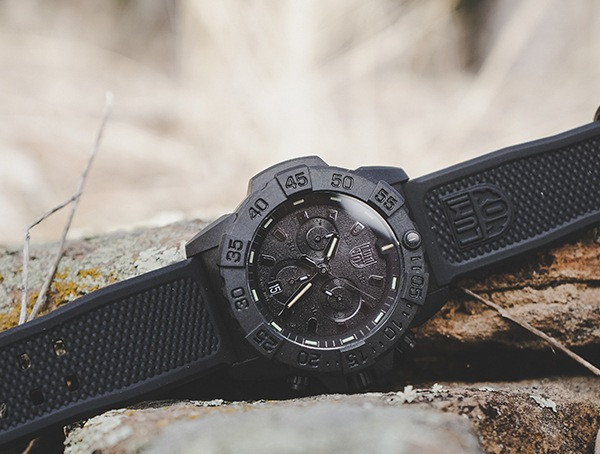 Luminox Navy Seal Chronograph Herrenuhr im Freien