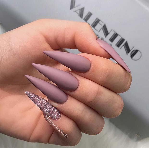 Chic Matte Stiletto Nägel