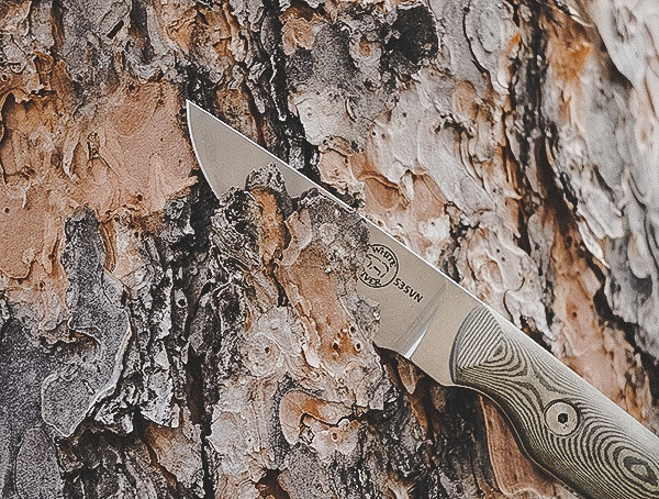 Outdoor-Feldtest White River Knife und Werkzeug Small Game Fixed Blade Knife