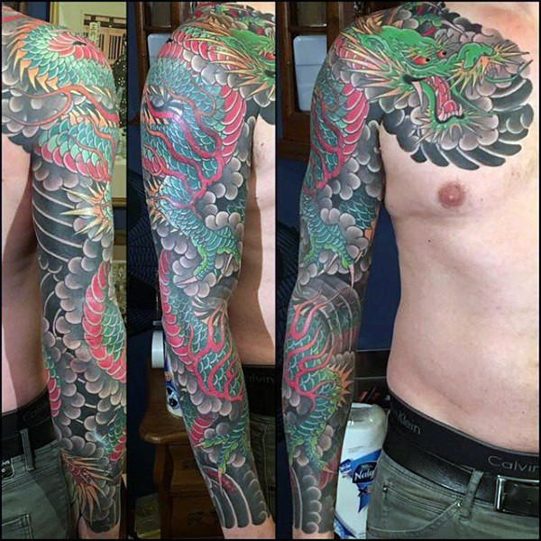 Herrliches Full Sleeves Wundervolles Dragon Tattoo