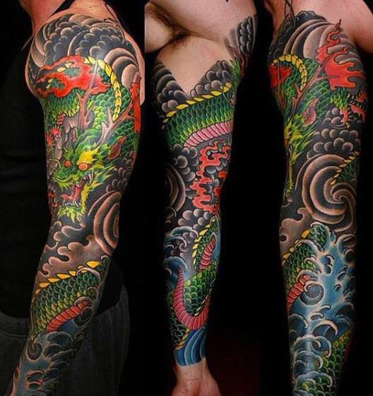 Helle chinesische Dragon Tattoo Male Ärmel