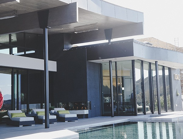 New American Home Outdoor Pool 2019
