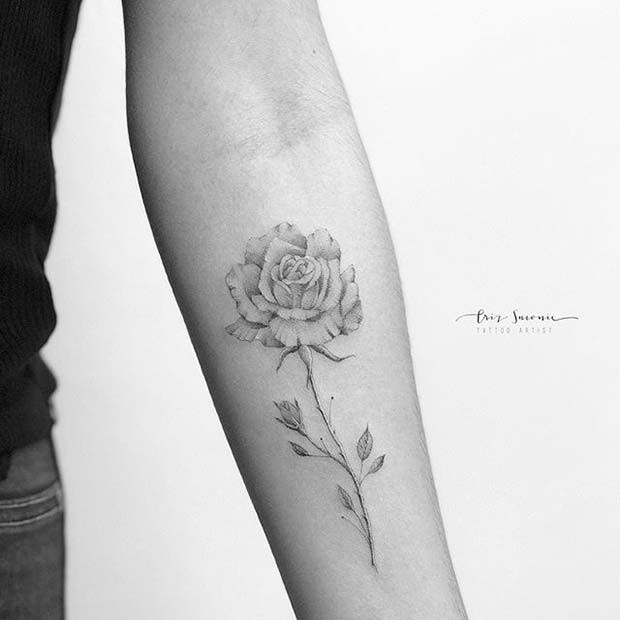 Zarte einzelne Rose Arm Tattoo Idee