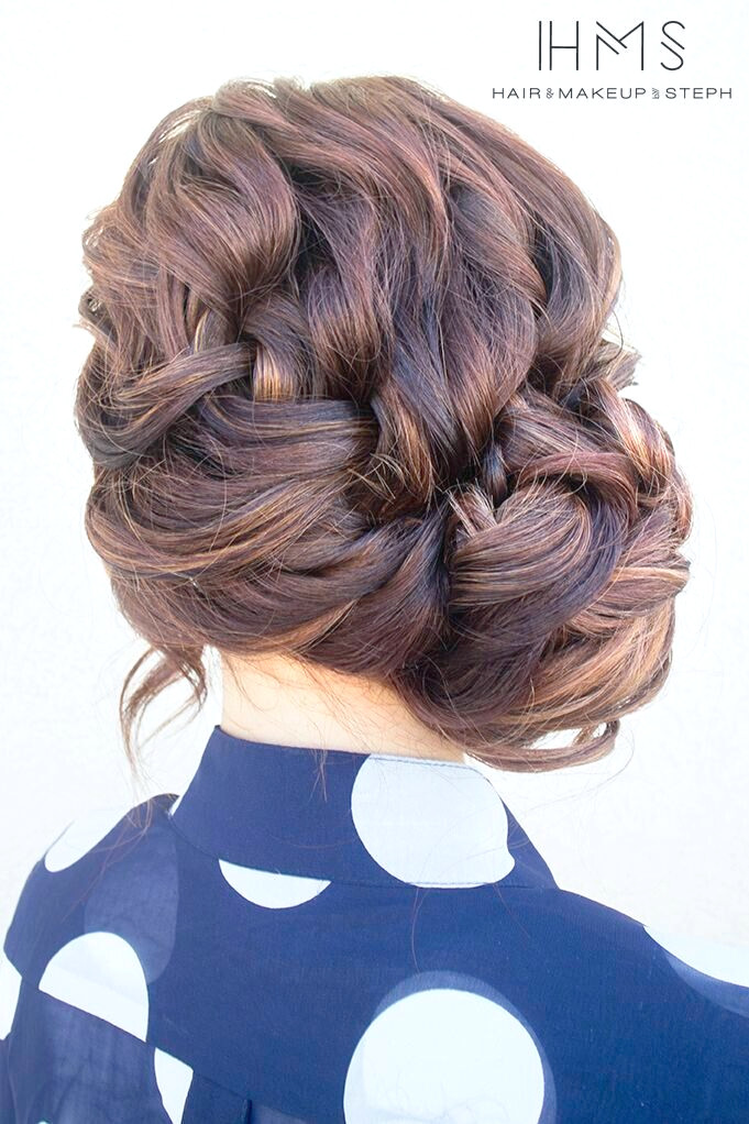 French Side Braid Updo para peinados cotidianos