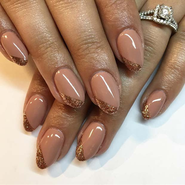 Nude und Rose Gold Nails