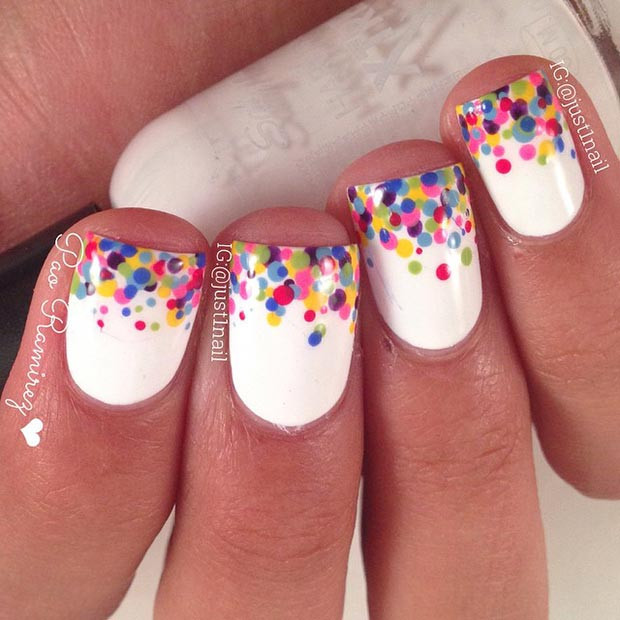 Bunte Polka Dot Tips Nail Design