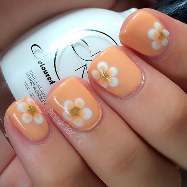 Orange Flower Nail Design für kurze Nägel
