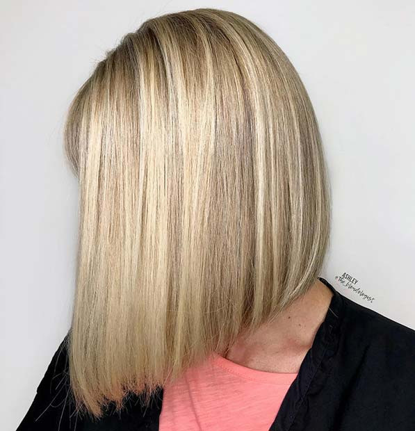 Blonde Highlights auf kurzem Haar