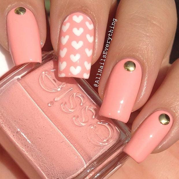 Simple Heart Nail Design für den Valentinstag