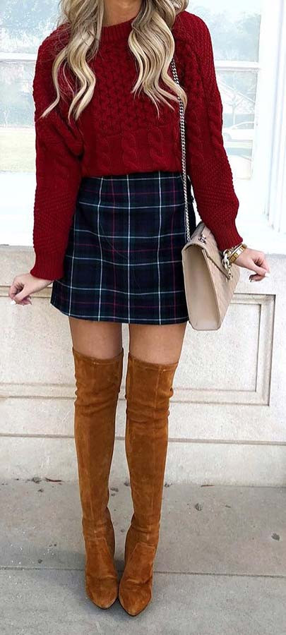 Plaid Rock, Pullover und Stiefel Outfit Idee