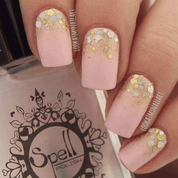 Easy Gold Gradient und Matte Nail Design