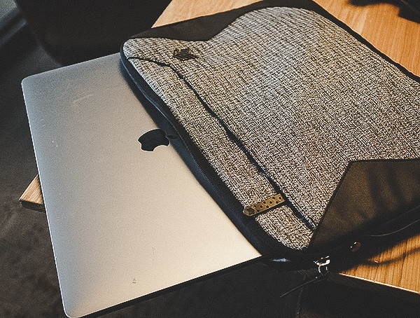 15-Zoll-Macbook Pro Sleeve Stm-Warenmythosbericht