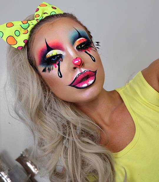 Kreatives Clown-Makeup für Halloween