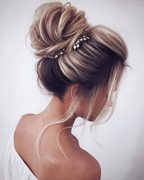 Hübsches, Accessorized High Bun