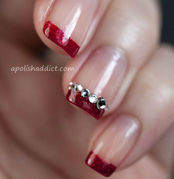 Roter Glittery French Tip Nail Design