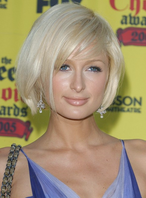 Paris Hilton Short Side Part Bob für Teenager-Mädchen