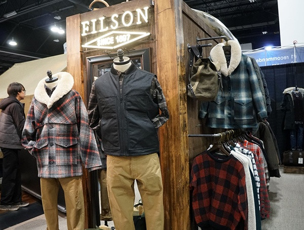 Filson Clothing Display Retailer Wintermarkt 2018 für den Einzelhandel