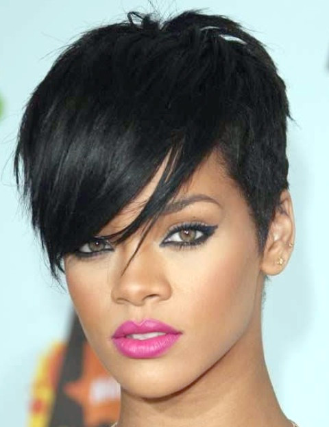 Rihanna Frisuren: Trendy Pixie Haircut