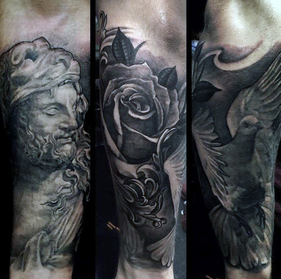 Filigrane Rose Flower Mens Sleeve Tattoo auf dem Unterarm