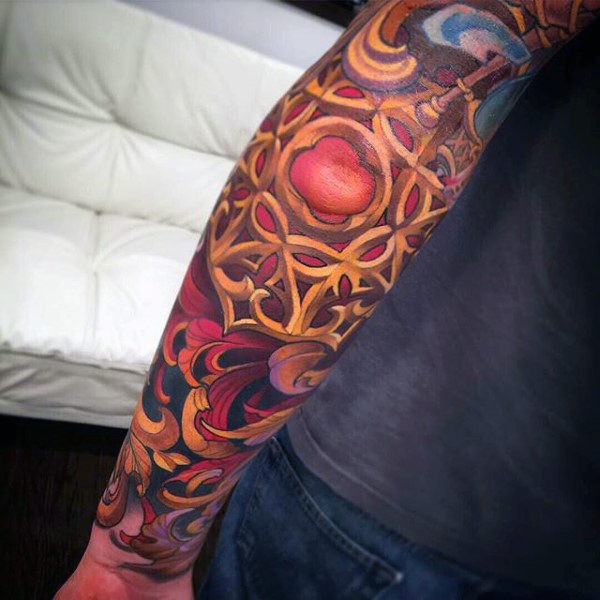 Goldene filigrane Herren Full Sleeve Tattoos