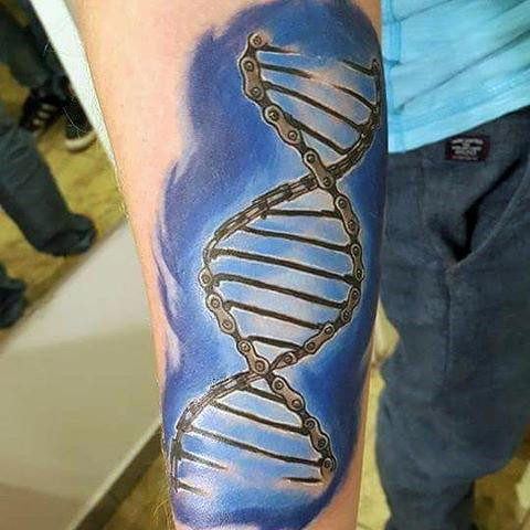 Mens Blue Bicycle DNA Patterned Tattoo Unterarme