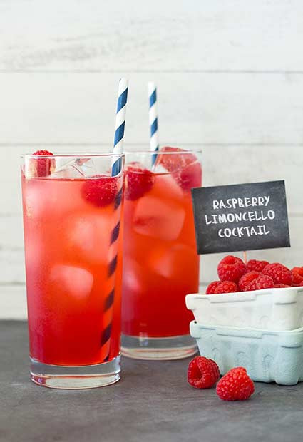 Himbeer-Limoncello-Sommercocktail