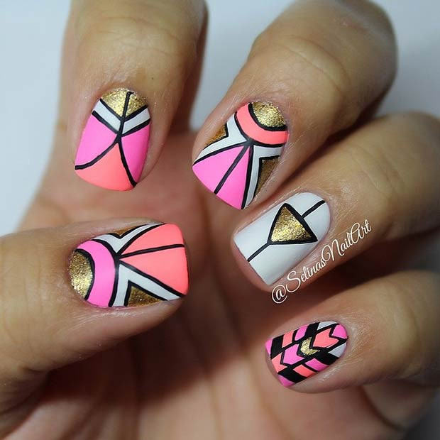 Gold und Neon Tribal Nails