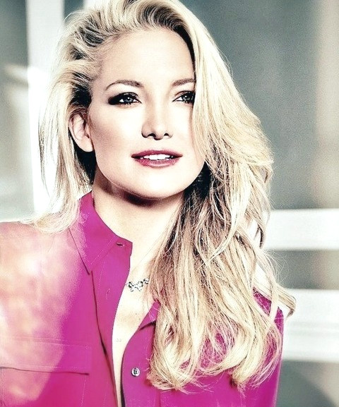 Kate Hudson Peinados: 2014 Voguish Side-swept Curls