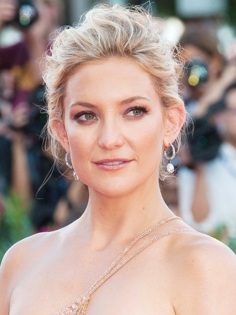 Kate Hudson Peinados: Gorgeous Messy Updo