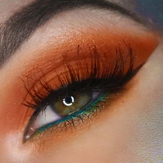 Herbstliches orange Augen-Make-up für Make-up-Ideen für Thanksgiving-Dinner