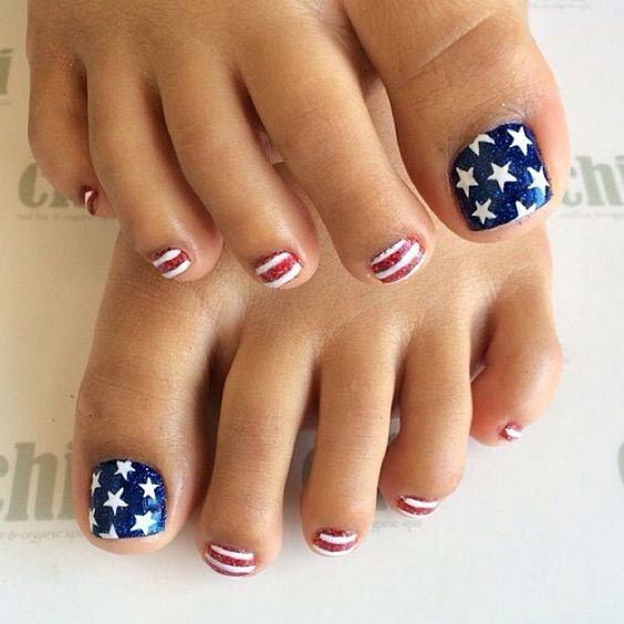 American Flag Pedicure Design für den 4. Juli