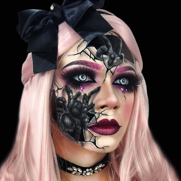 Scary Cracked Doll Makeup mit Spinnen
