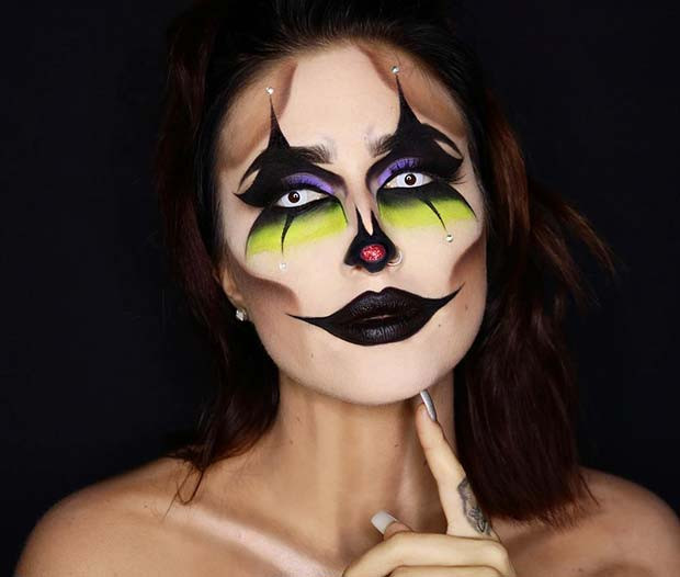 Gruseliges Clown-Makeup für Halloween