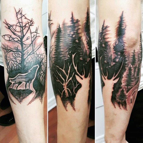 Gentleman mit Forest Negative Space Deer Tattoo