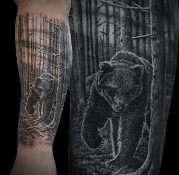 Realistic Bear Forest Mens Unterarm Tattoo