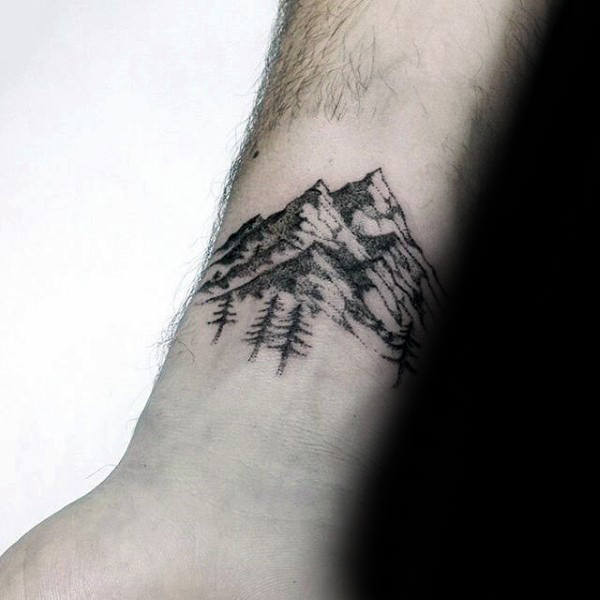 Kleine einfache Kerle Forest Wrist Tattoo With Mountains