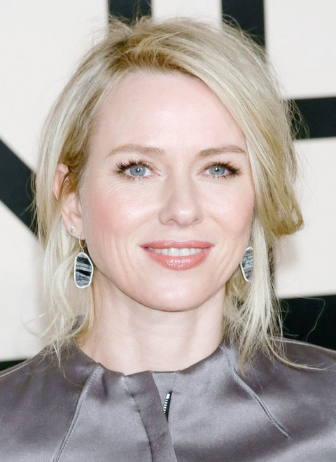 Naomi Watts Frisuren: Messy Updo