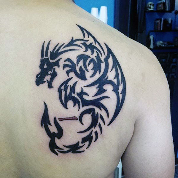 Rückseite Schulter Tribal Dragon Tattoos For Guys
