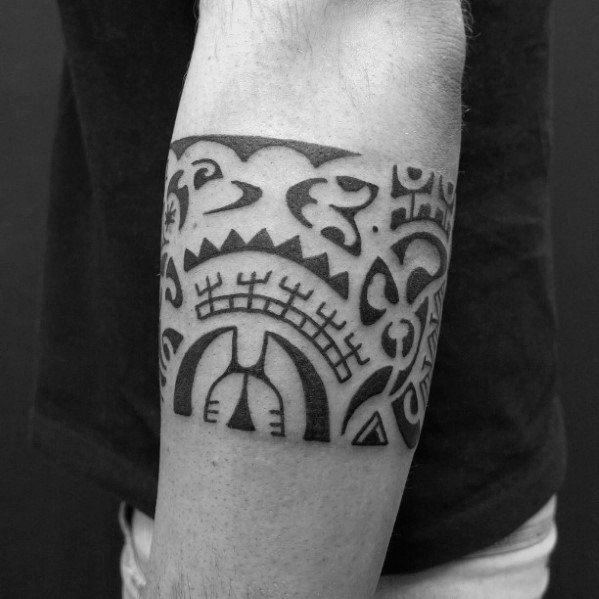 Traditionelle hawaiianische Tribal Armband Tattoo Designs für Jungs